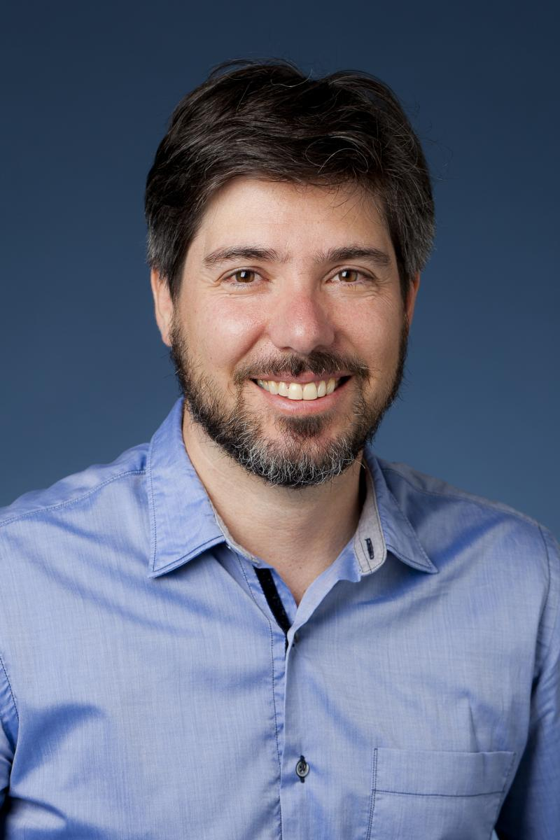Associate Professor Matt Ratto answers what is the internet of things? on VIDOYEN